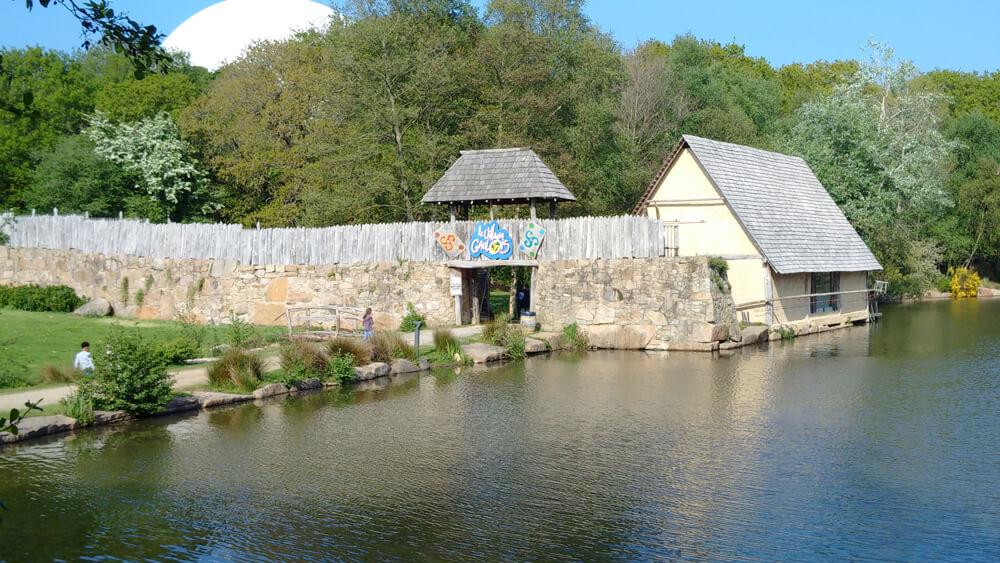 Le Village Gaulois Pleumeur-Bodou - Côte de Granit Rose - Pont Ar Prelleg